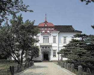 城下町鶴岡のシンボル 大宝館