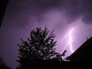 Überspannungsschäden durch Blitz  - Foto Pixabay