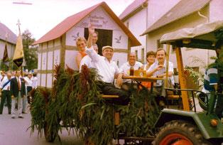 Der Brieftaubenverein Flehingen beim Umzug zur 1200 Jahrfeier 1979