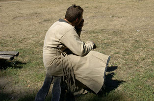 """Der """"tote"""" Glaube gemäß Jakobus ist zwar ein untätiger, d. h. wirkungsloser und den Menschen nicht vorzeigbarer Glaube, aber er ist kein unechter oder fehlender Glaube. https://www.freudenbotschaft.net/gnade-rettung-und-nachfolge/glaube-jüngerschaft-werke"""