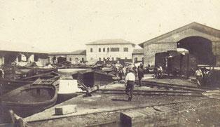 La vecchia stazione marittima di Livorno: sullo sfondo il fabbricato principale