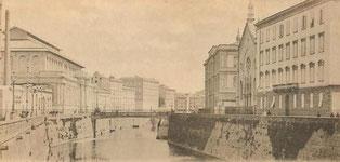Il Fosso Reale rettificato, con il Mercato delle vettovaglie, il Politeama, la fabbrica del ghiaccio (a sinistra), le scuole Benci e la chiesa degli Olandesi (a destra)