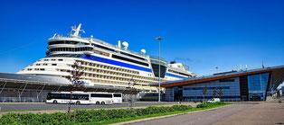 Sankt Petersburg Landgang visafrei AIDA im Passagierschiff Hafen