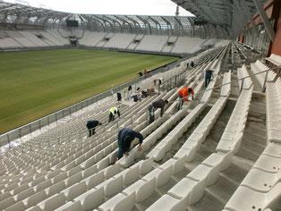 Nettoyage des sièges du Stade des Alpes de Grenoble