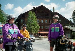 vor dem Schweizer Hof in Maloja machten wir uns zur Abfahrt fertig