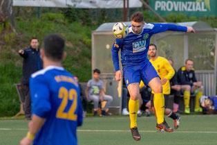Nikolaos Siampanis musste schon nach 40 Minuten verletzt vom Platz (Foto: 1. FC Solingen)