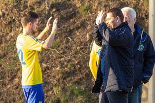 Auch in Langenfeld möchte sich Kapitän Fabio Couspatras mit Trainer Benjamin Uhlenbrock über einen Sieg freuen (Foto: deutzmann.net)