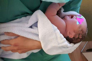 Der 1. FC Solingen freut sich mit der ganzen Familie Couspatras über die Geburt der kleinen Chiara Zoé (Foto: Privat)