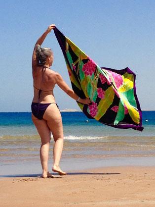 Body Image, Body Positivity, Körperbewusstsein, Frausein, Weiblichkeit, Gesundheit, Selbstbewusstsein, Selbstwert, Selbstvertrauen, Strandfigur, Bikinifigur