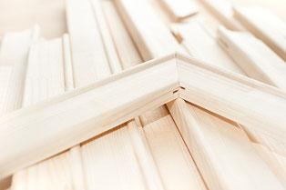Keilrahmen aus mehrfach verleimten Echtholzleisten