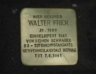 Abb.10: 2012 wurde einen Stolperstein vor Walters Geburtshaus in Zweibrücken verlegt.