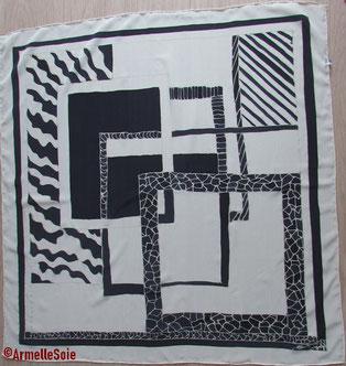 blanc et noir, foulard, carré, soie naturelle, gwenn a du, peint main, fait main, fabriqué en France,Bretagne, bzh, carré,soie,