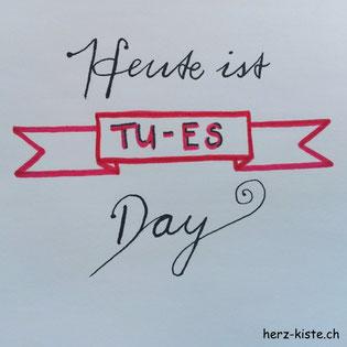 Letterattackchallenge: Heute ist Tu-es-day - Handlettering
