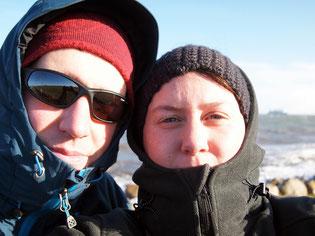 Links im Bild: Ich und mein Stirnband (Flo noch mit alter Mütze).