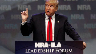 Donald Trump will sich gegen die Verschärfung von Waffengesetzen einsetzen. © John Sommers II/Reuters