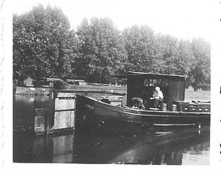 Achterschiff vor dem Umbau von1961. Zu beachten sind das Steuerhaus und das Helmstockruder.