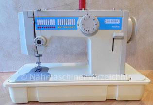 Veritas Rubina 1290 (16 Programme), Automatik-Flachbett-Haushaltsnähmaschine mit  Anbaumotor auf Kunststoffsockel, Hersteller: Textima VEB Nähmaschinenwerk Wittenberge (Bilder: I. Naumann)