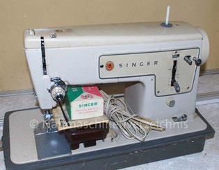 Singer Kl. 449, Geradestich-Flachbettnähmaschine und Unterbaumotor, Hersteller: Singer Nähmaschinen AG, Großbritannien (Bilder: I. Miniböck)