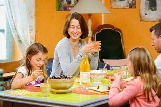 Petit-déjeuner, séjour en famille, chambres d'hôtes, Picardie, Thiérache