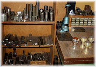 Neuanfertigung Werkzeuge Hämmer Feilen Eisen