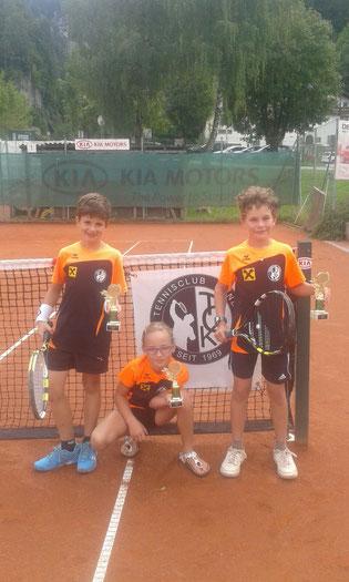 Unsere Bezirksmeister: Philipp Wieser, Coleen Seebacher und Moritz Fuchs