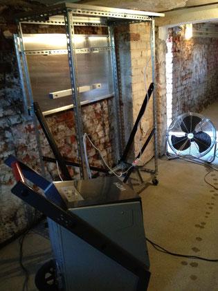 bautrockner, Heizlatten, Ventilator trocknen feuchten Keller