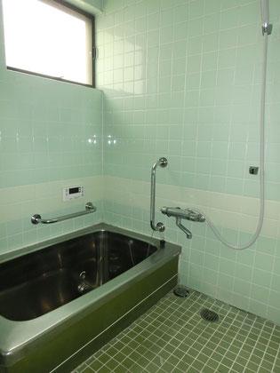 既存浴室(タイル張り浴室)