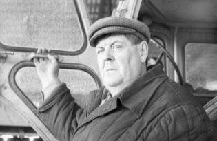 М. А. Узельман—один из самых опытных механизаторов в полеводческой бригаде № 1 В. Зобова совхоза «Волгодонской»