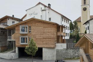 Ansicht von Gemeindehaus/Haltestelle Postauto