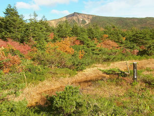 ひょうたん沼と熊野岳
