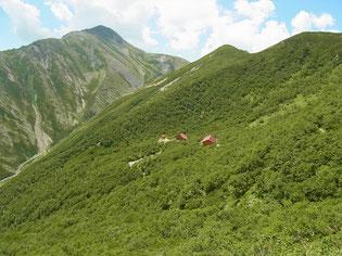 やっと荒川小屋と赤石岳が見えてきました