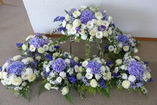 Von Elisabeth arrangierter Blumenschmuck.