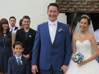 Das strahlende Brautpaar.