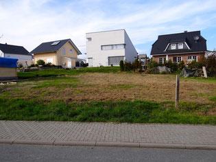 "Verkauft! Taunus, 587 qm Baugrundstück (Nr. 27, Baugebiet ""Feldbergblick"") in Wehrheim-Obernhain. KP: 227.000,- €."