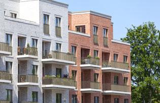 Moderne Häuser mit Mietwohnungen zur Verwaltung