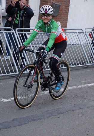 Letztes Rennen für Colnago: Eva Lechner auf dem Weg zum Cross-Start in Diegem (Belgien) © Facebook Eva Lechner