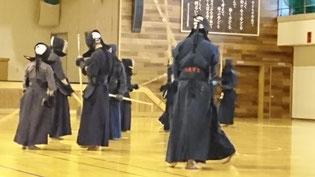 マンツーマンの剣道指導