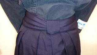 剣道袴の結び目 四角