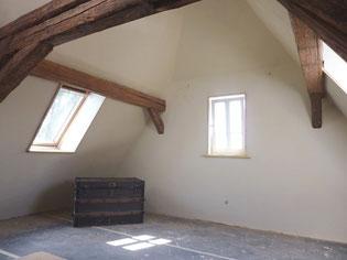 Dachgeschoß mit Lehmputz und Wandheizung