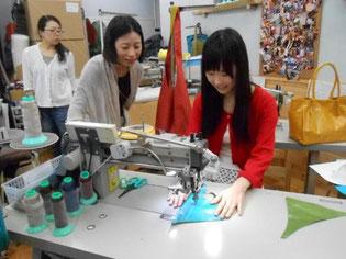 まっすぐミシンで縫っていきます。