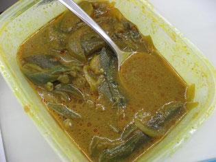 スリランカのカレーを一緒に味わいました。