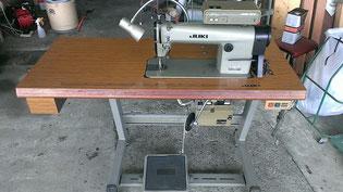 工業用本縫い自動糸切りミシンDDL505です。