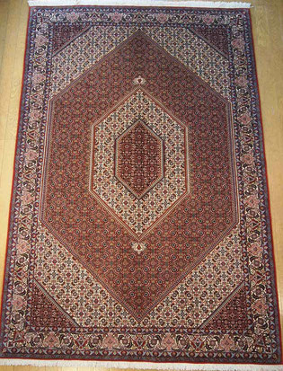 BIJAR wool  ドザールサイズとても美しい絨毯が見つかりました。