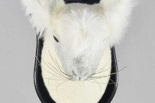 Weißer Hasenkopf aus Filz mit weißem Fell
