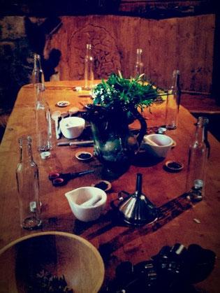 Gemütlich gedeckter Tisch