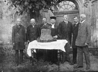 1922 Weihe Kriegsopfer-Ersatzglocke_li_Schipke-Kroke-Schikor-Pastor Conrad-Schmid-Motog-Matzke