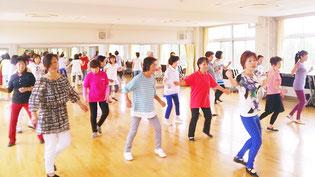 カントリーダンス例会風景