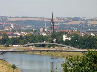 Die Waldschlösschenbrücke und ...