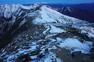 大朝日岳から見た以東岳
