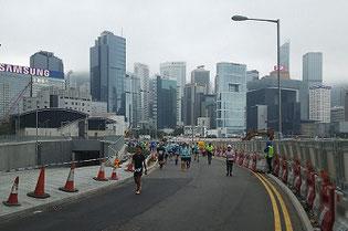 渣打香港馬垃松2019で香港島を走る